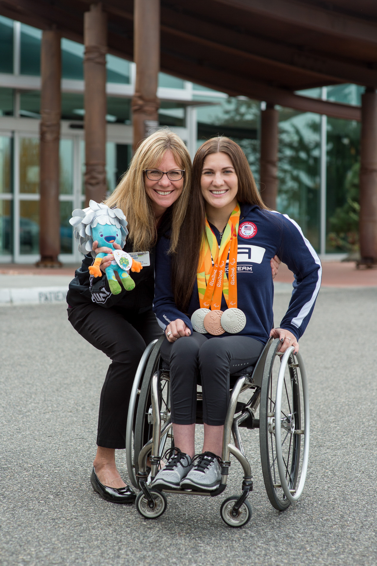 A Para Olympian and her Mom.