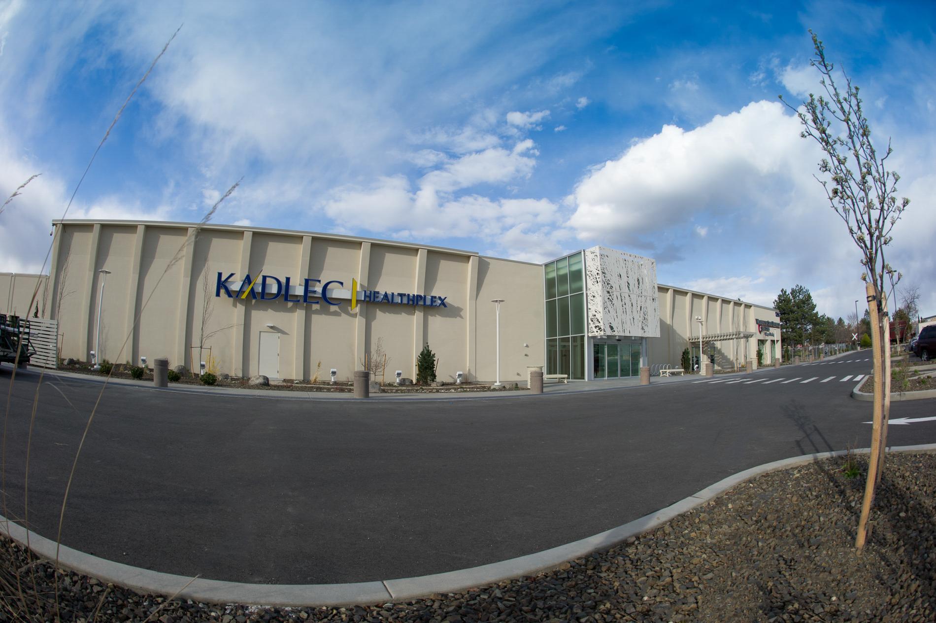 Exterior of Kadlec Healthplex