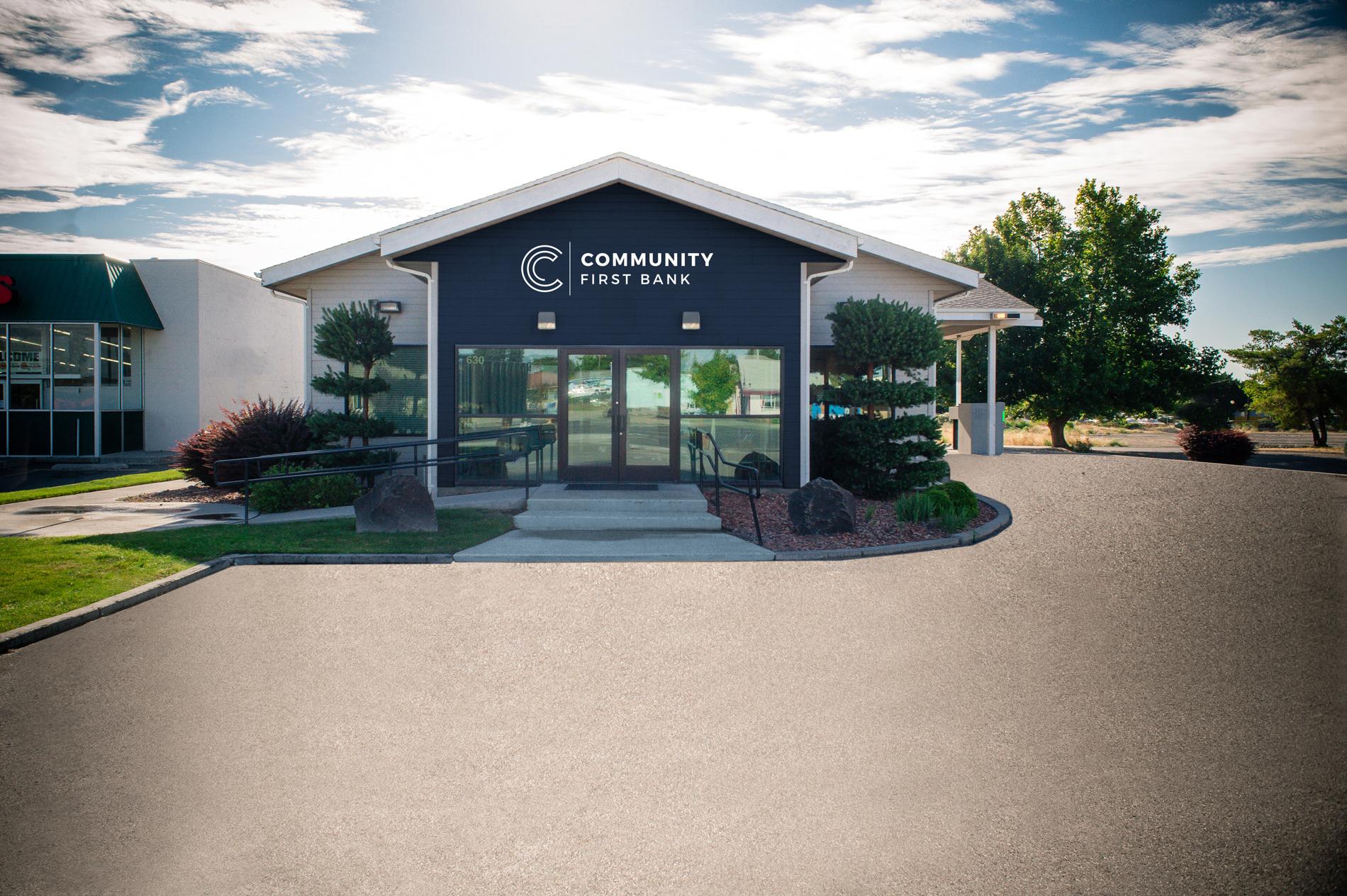 Bank Exterior Photo